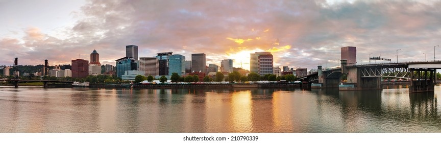 Downtown Portland cityscape in the evening at the sunset