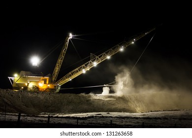 Dragline was found digging at night in Wyoming.  Used for coal mining.  Bucket is massive.