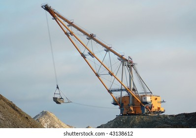 Dragline in open cast mining quarry