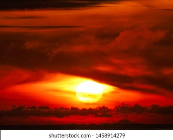 Dragons eye sunset in Hokitika, New Zealand
