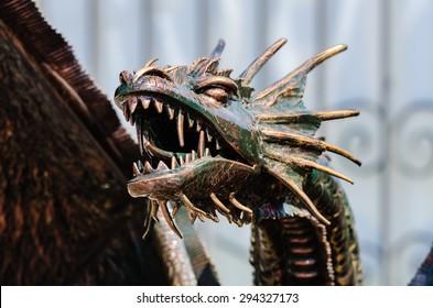 The dragon's head