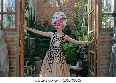 Dragqueen with Flora Headgear