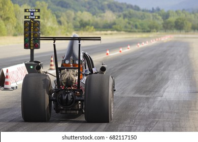 Dragster ready to start the race.