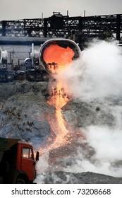 drain slag at steel plant