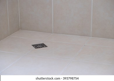 Drain toilet