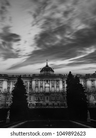 Dramatic black and white for PALACIO REAL DE MADRID