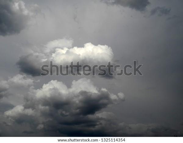 dramatic-clouds-sky-600w-1325114354.jpg
