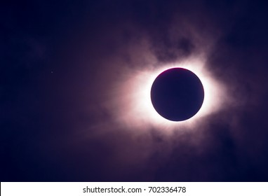 Dramatic colors of Eclipse 2017 during corona