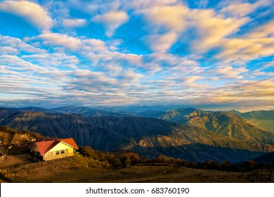 Dramatic landscape with colorful from sunlight at Tonglu trekkers hut middle way to 