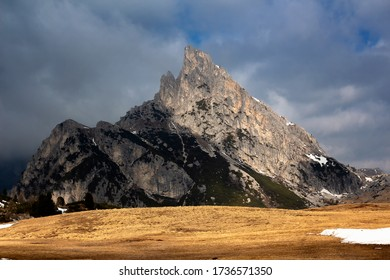 Dramatic landscapes on the Dolomite paths