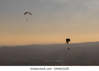 Dramatic paragliding duo with beautiful scenery, Mondim de Basto