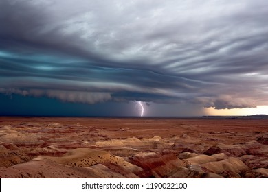 Dramatic shelf cloud ahead of a storm over the Painted Desert.