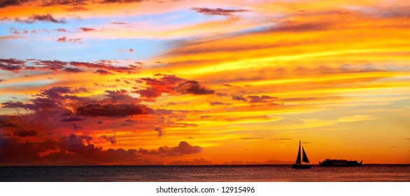 Dramatic sunset at Oahu Island, Hawaii