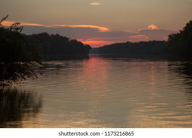 Dramatic sunset over the Potomac river in northern Virginia