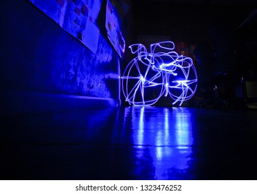 Draw lines with lights painting