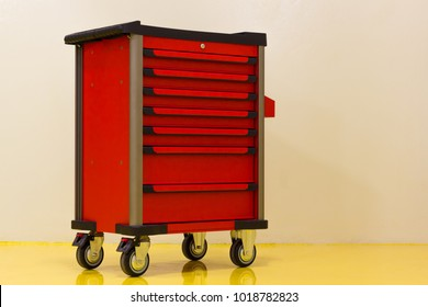 Drawer roller tool cabinet or mobile tool cabinet