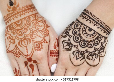 Mehndi Patterns Vector : Bride feet coloring indian henna paste stock vector