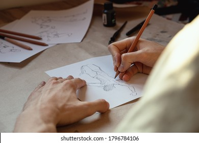Drawing, sketching the human figure with a pencil