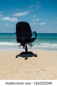 Dream office on the beach. Vacation needed, out of office