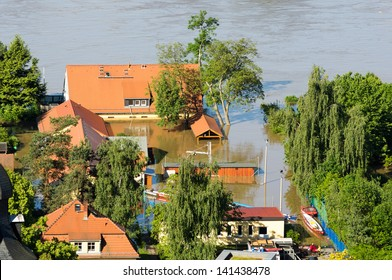 Dresden Blaues Wunder areal during inundation 2013, Elbe 840cm high