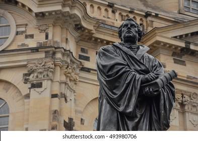 Dresden Statue Martin Luther vor Frauenkirche