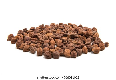 dried chickpeas isolated on white background