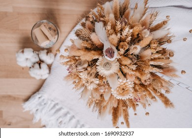 Dried flowers on the table. cotton flowers