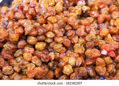 dried fruit in market