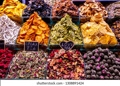 Dried fruits and fruit teas at the Istanbul food market