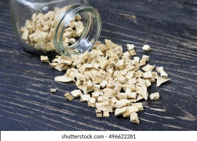 Dried marshmallow root in a bottle
