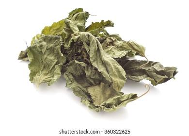 Dried Mulberry Leaves, an caffeine-free tea alternative. Non sharpen