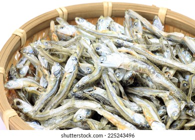 dried small sardines
