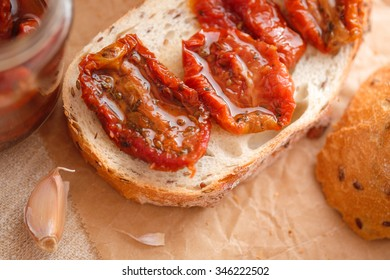 Dried tomatoes with fresh bread