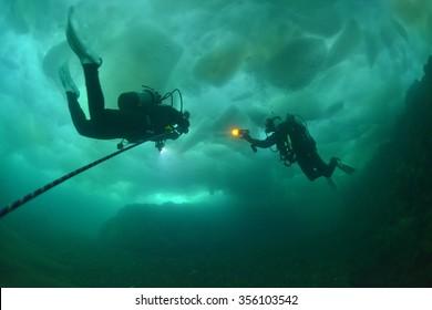 drift ice diving