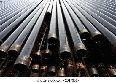 Drill pipes with oil drops