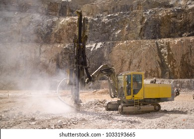 Drilling on open pit mine,Australia has many mines from coal to gold all over the country earning big from Exsports over seas.
