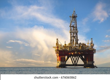 Drilling platform during the coming storm