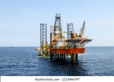 Oil Rig Images, Stock Photos & Vectors | Shutterstock