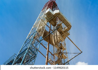 Drilling rig in oil field for drilled into subsurface in order to produced crude. Petroleum Industry