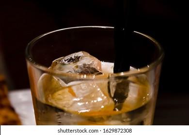 Drink in glass, Darius colors