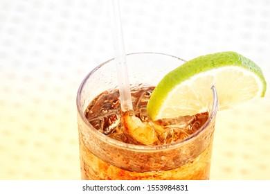 Drink at the Pool, cuba libre