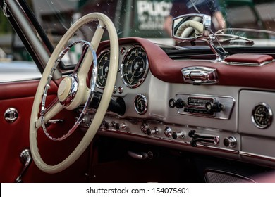 Driver's cockpit of a classic car