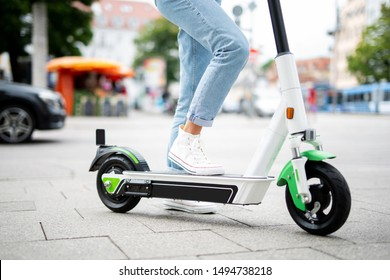 driving an e scooter, electromobility