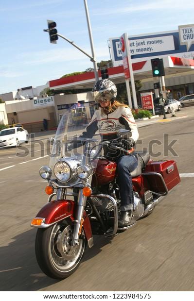 Harley Davidson San Francisco >> Driving Harleydavidson Motorcycle Center San Francisco Stock
