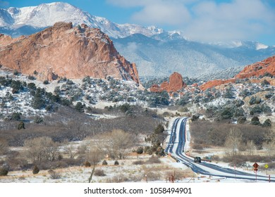 Driving into the Beauty at Garden of the Gods