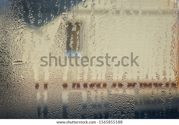 drops-on-glass-condensation-blurred-600w
