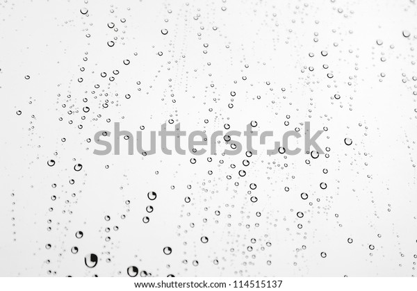 drops-rain-on-window-glass-600w-11451513