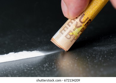 The drug cocaine is drawn in through the nose