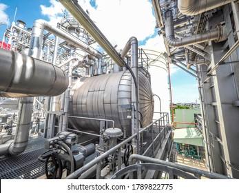 Drum für Generatordampf von HRSG-Heizkesselsystemen (Wärmegewinnungs-Dampferzeuger) während des Baus im Kraft-Wärme-Kopplungsanlage.