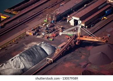 Dry bulk terminal